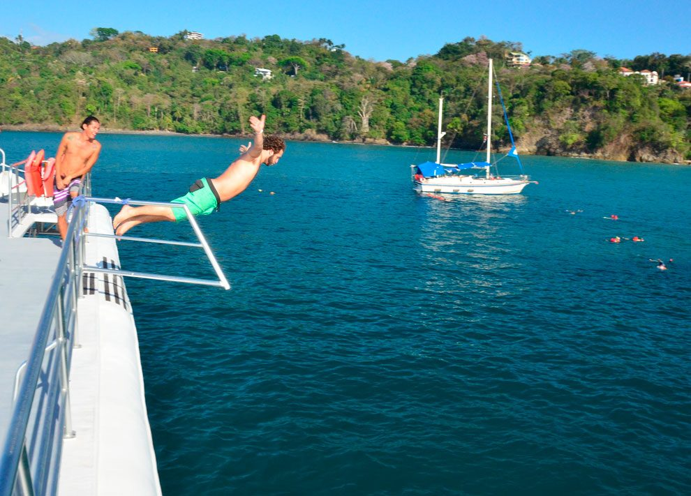 catamaran day tour manuel antonio costa rica