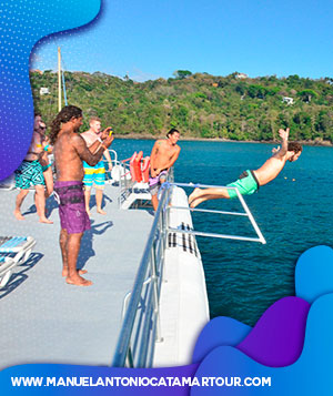 Catamaran Tour in Manuel Antonio Costa Rica. Enjoy the best snorkeling, Dolphin and Whale watching. we offer you 3 best catamaran cruises in Manuel antonio